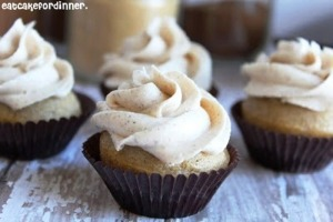 Vanilla Chai Cupcakes with Chai Spiced Buttercream by Jenn@ eatcakefordinner.com