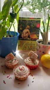 Strawberry Pop-tart Cupcakes